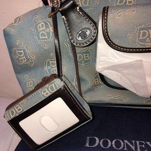Dooney & Bourke Bags - Tote Dooney & Bourke NWT East West Authentic Bag